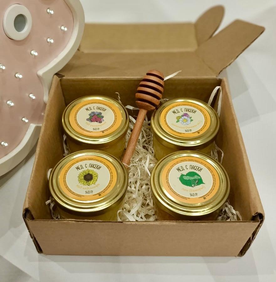 "Набор №1 ""МЕДОВЫЙ"" мёд разнотравье  140 гр +мед цветочный 140 гр +мёд подсолнуха  140 гр + мёд Липа  140 гр+ложка для мёда ( булава)"